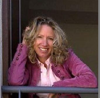 Saviour Balzan's only sister, Mariella Dimech, a psychotherapist who hosts the mental health show Dwarna on TVM